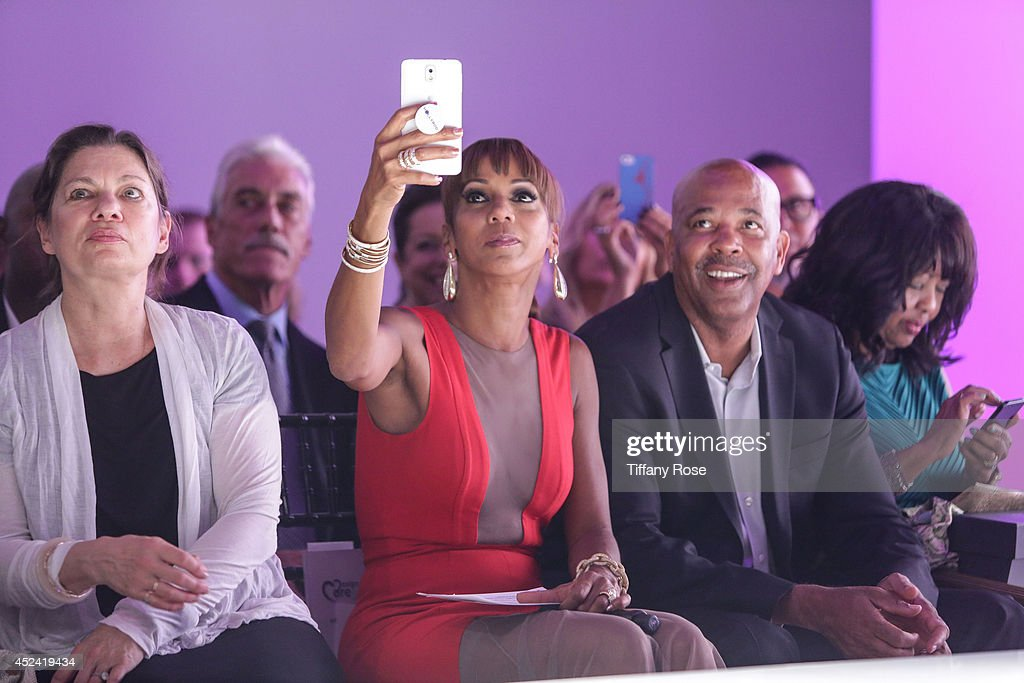 <a gi-track='captionPersonalityLinkClicked' href=/galleries/search?phrase=Holly+Robinson+Peete&family=editorial&specificpeople=213716 ng-click='$event.stopPropagation()'>Holly Robinson Peete</a> attends the 16th Annual DesignCare to Benefit The HollyRod Foundation at The Lot Studios on July 19, 2014 in Los Angeles, California.