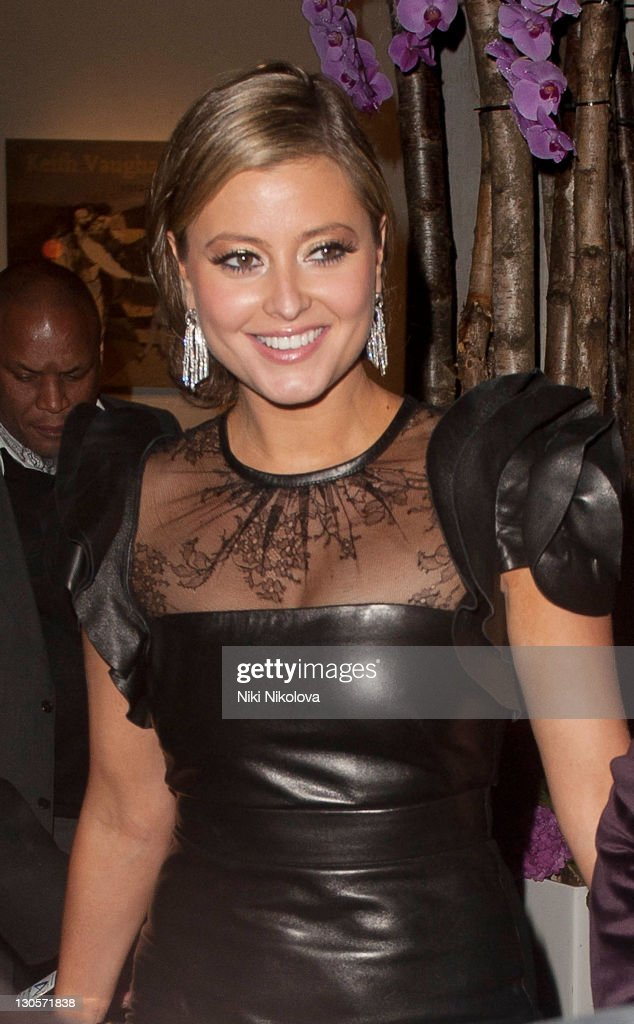 <a gi-track='captionPersonalityLinkClicked' href=/galleries/search?phrase=Holly+Valance&family=editorial&specificpeople=202639 ng-click='$event.stopPropagation()'>Holly Valance</a> sighting on October 26, 2011 in London, England.