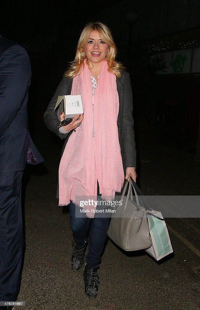 <a gi-track='captionPersonalityLinkClicked' href=/galleries/search?phrase=Holly+Willoughby&family=editorial&specificpeople=212941 ng-click='$event.stopPropagation()'>Holly Willoughby</a> leaving Riverside studios after filming Celebrity Juice on March 12, 2014 in London, England.