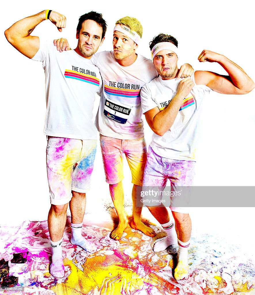 Hollyoaks stars Ayden Callaghan, Fabrizio Santino and Ashley Taylor Dawson flex their muscles to show theyre fighting fit and ready to get messy at The Color Run to support Stand Up To Cancer. The cast of Hollyoaks have come together to support Stand Up To Cancer by taking part in The Color Run presented by Dulux.