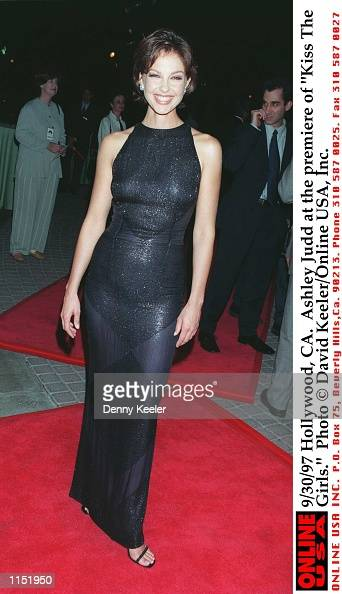 Hollywood CA Ashley Judd at the premiere of 'Kiss The Girls'