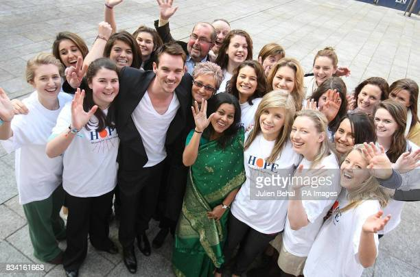 Hollywood star Jonathan RhysMeyers schoolgirl volunteers from Alexandra College Milltown and Ms Maureen Forrest Founder of the Hope charity as he...