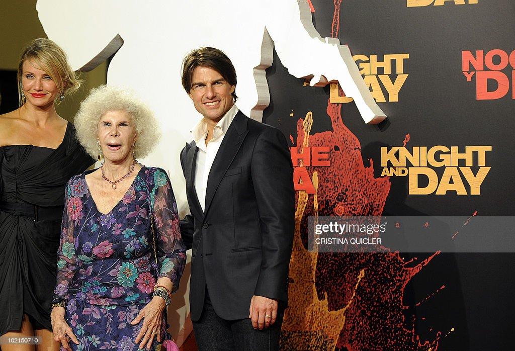 Hollywood stars Cameron Diaz (L) and Tom Cruise pose with the Duchess of Alba (C) on the red carpet for the international film premiere of their new film 'Knight and Day' by US director James Mangold in Sevilla on June 16, 2010. Cruise, 47, and Diaz, 37, filmed key scenes of the action-comedy movie in Seville as well as in the nearby coastal city of Cadiz last year.