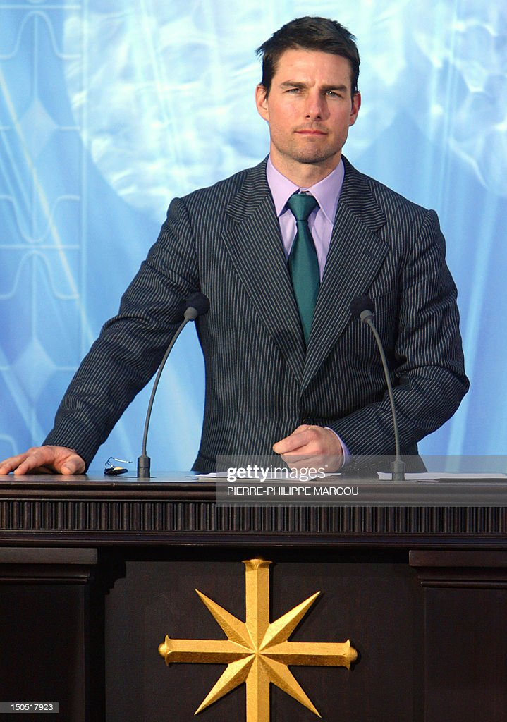 Hollywood US star Tom Cruise inaugurates 18 September 2004 in Madrid a new centre for the controversial Church of Scientology of which he is a member...