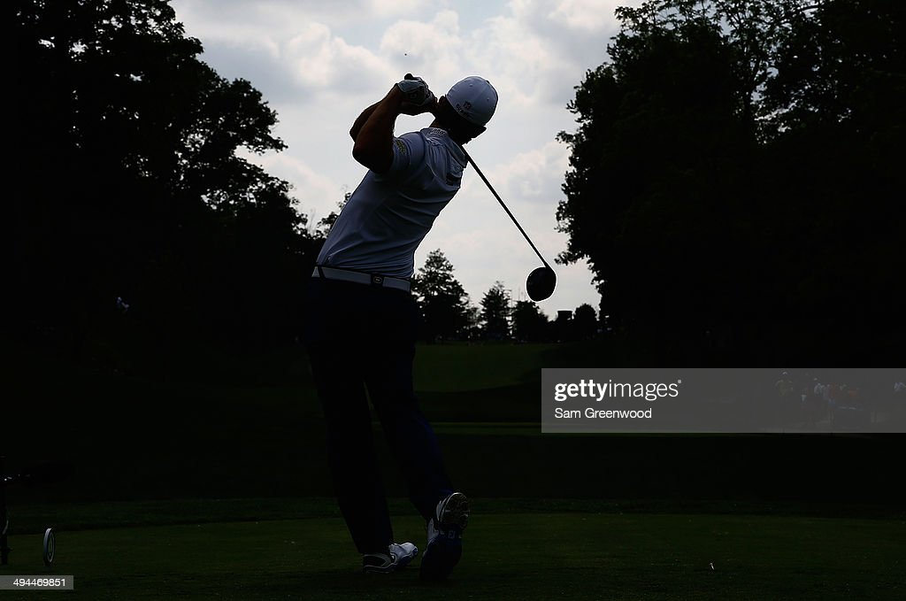 <a gi-track='captionPersonalityLinkClicked' href=/galleries/search?phrase=J.B.+Holmes&family=editorial&specificpeople=491000 ng-click='$event.stopPropagation()'>J.B. Holmes</a> hits a tee shot on the 15th hole during the first round of the Memorial Tournament presented by Nationwide Insurance at Muirfield Village Golf Club on May 29, 2014 in Dublin, Ohio.