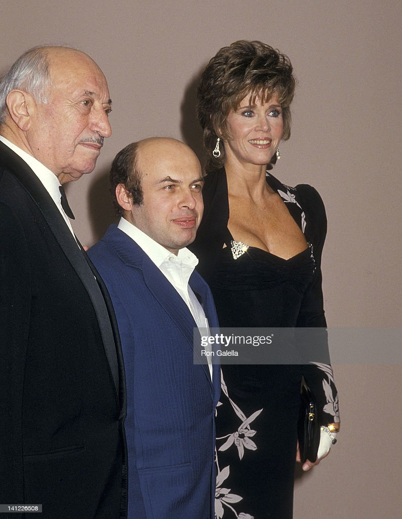 Holocaust survivor Simon Weisenthal, Soviet politician Anatoly (Natan) Shcharansky and actress Jane Fonda attend the Simon Wiesenthal Center's Humanitarian Award Salute to Anatoly (Natan) Shcharansky on January 28, 1987 at the Bonaventure Hotel in Los Angeles, California.