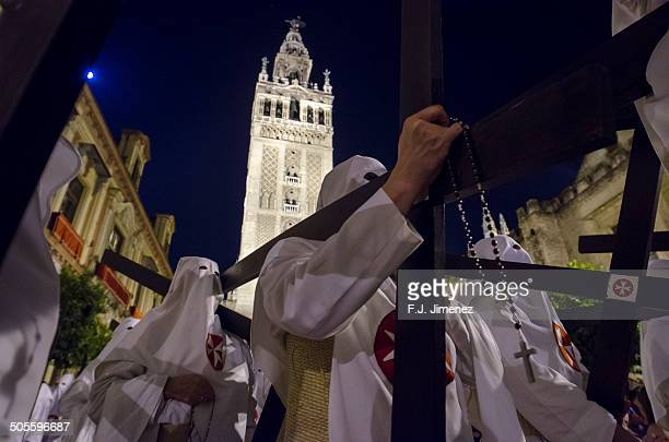 Holy Week in Seville, Palm Sunday night