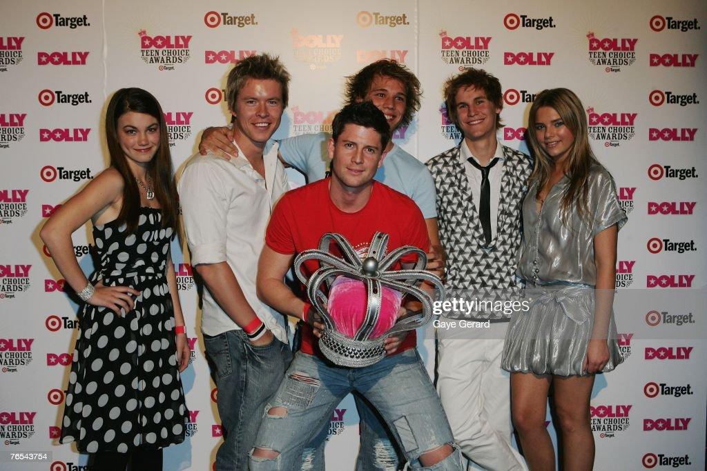 Home and Away cast members celebrate their win on stage at the Dolly Teen Choice Awards at Luna Park on September 5, 2007 in Sydney,Australia.
