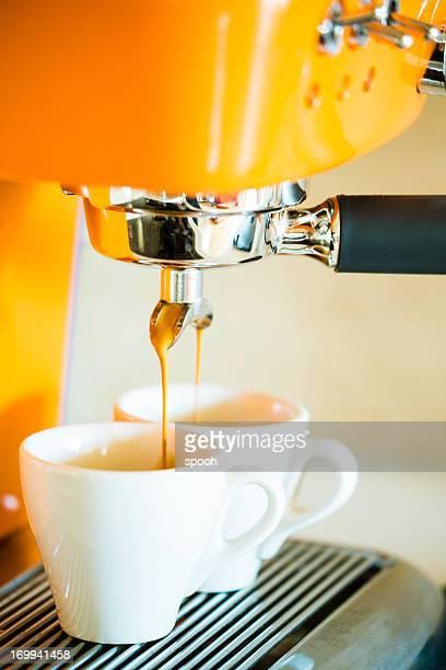 Casa de la máquina de café espresso para preparar dos tazas, pequeño