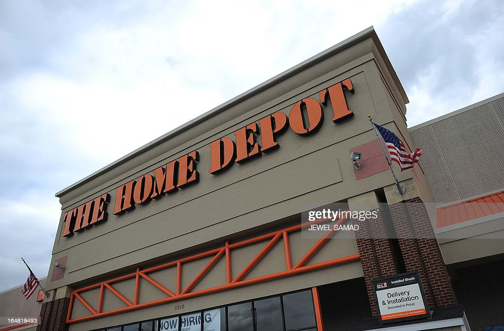 A Home Depot store is seen in Silver Spring, Maryland, on March 28. 2013. The US economy grew more strongly than initially thought in the fourth quarter last year but was still moving at a sluggish 0.4 percent annual pace, the Department of Commerce said on March 28. AFP PHOTO/Jewel Samad