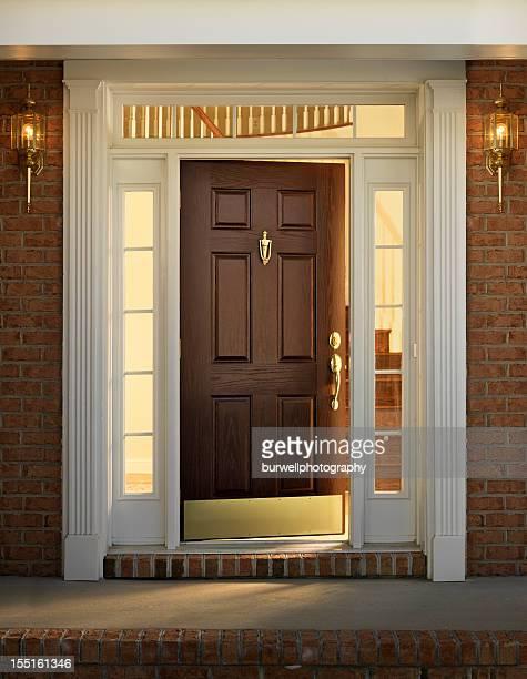 Extérieur de la maison, porte d'entrée