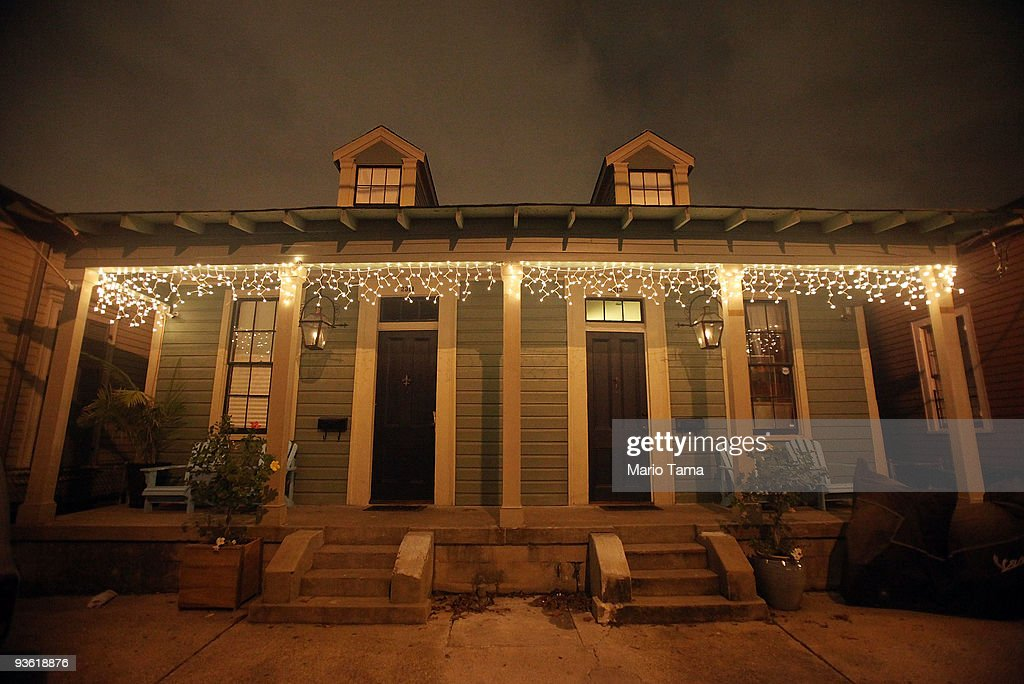 New Orleans Residents Embrace The Holiday Season Photos And Images  - New Orleans Christmas Lights
