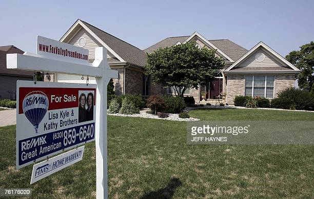 A home sits for sale 25 July 2007 in Batavia Illinois a suburb outside of Chicago The US Federal Reserve took emergency action 17 August 2007 to calm...