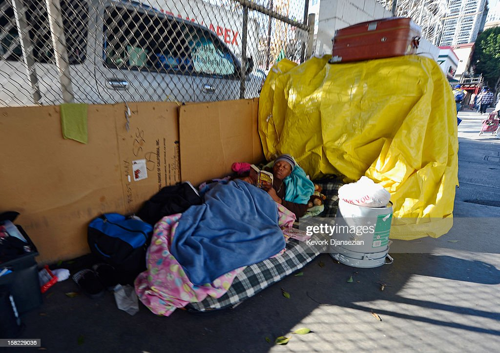 Modular housing units used for homeless shelters on l a 39 s for Los angeles homeless shelter