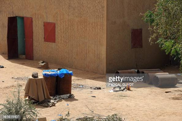 A homemade bomb containing 600 kilos of explosives is pictured on February 13 2013 in a courtyard of an abandoned house in the centre of northern...