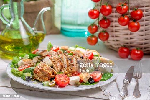 Feito em Casa Salada César com novos produtos hortícolas : Foto de stock