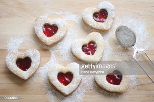 Homemade heart shaped shortbread cookies : ストックフォト