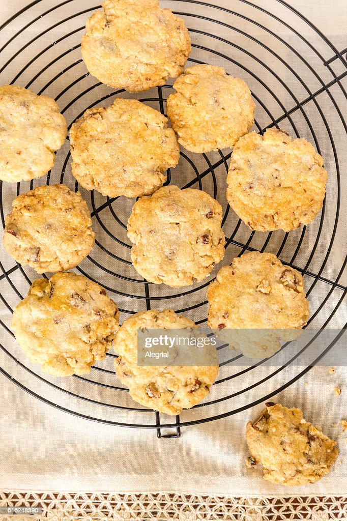 Homemade oats and nuts cookies : Foto de stock