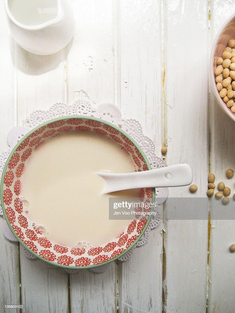 Homemade soybean milk