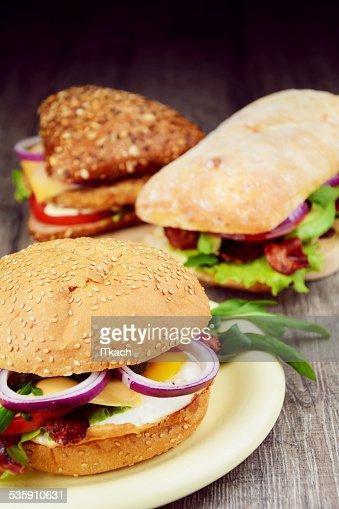Feito em Casa deliciosos Sanduíche : Foto de stock