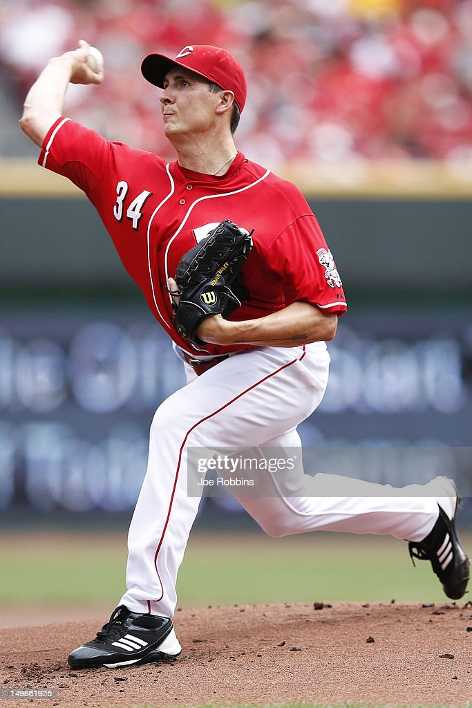 <a gi-track='captionPersonalityLinkClicked' href=/galleries/search?phrase=Homer+Bailey&family=editorial&specificpeople=759409 ng-click='$event.stopPropagation()'>Homer Bailey</a> #34 of the Cincinnati Reds pitches during the game against the Pittsburgh Pirates at Great American Ball Park on August 5, 2012 in Cincinnati, Ohio. The Pirates won 6-2.