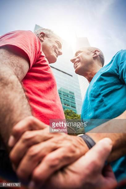 Homosexuell Paar während des Urlaubs