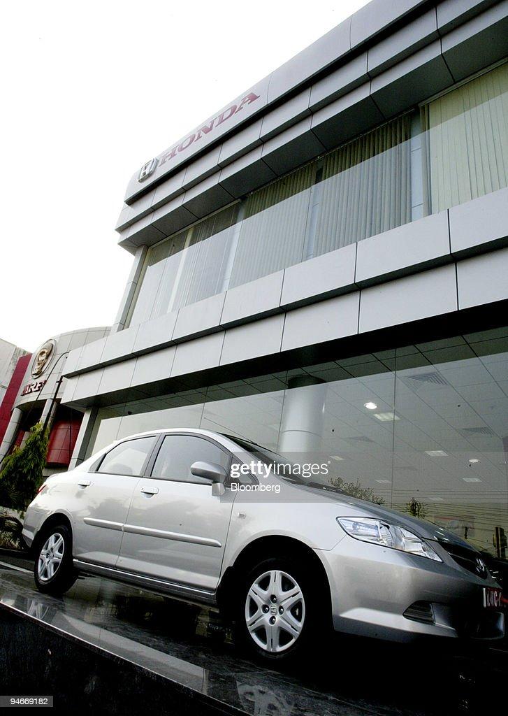 A Honda City Car Is Displayed Outside The 39 Ring Road Honda
