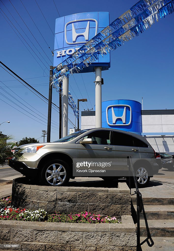 Honda CRV is on display for sale at the Honda of Hollywood dealership on August 5 2011 in Los Angeles California Honda Motor Co is recalling 25...