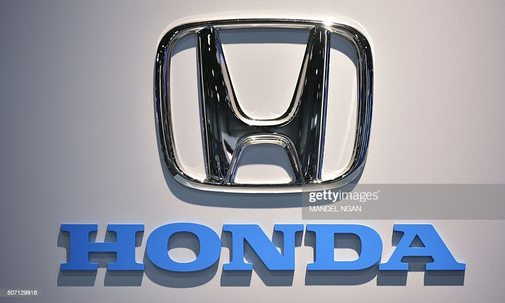A Honda logo is seen at the 2016 Washington Auto Show on January 27 2015 in Washington DC / AFP / Mandel Ngan