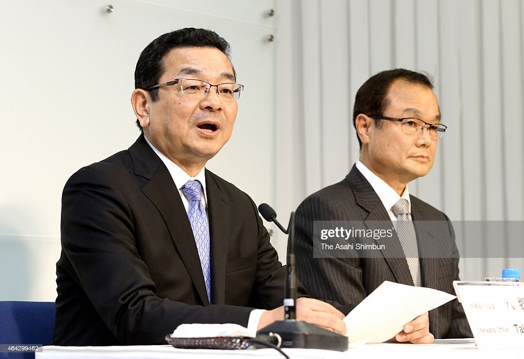 Honda Motor Co incoming president Takahiro Hachigo (L) speaks while outgoing president <a gi-track='captionPersonalityLinkClicked' href=/galleries/search?phrase=Takanobu+Ito&family=editorial&specificpeople=5696906 ng-click='$event.stopPropagation()'>Takanobu Ito</a> (R) listens during a press conference at the headquarters on February 23, 2015 in Tokyo, Japan. Hachigo will be offiically appointed as new president after the general shereholders meeting in June.