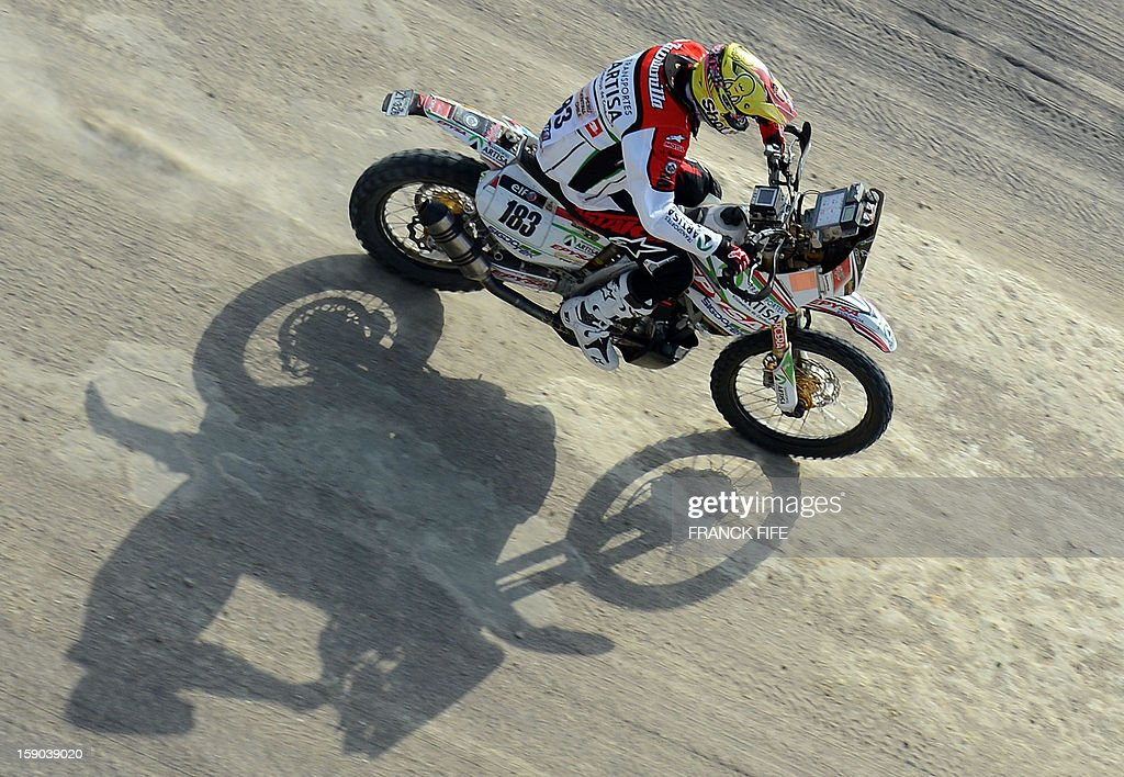 Honda's Pablo Quintanilla of Chile competes during the Stage 2 of the Dakar 2013 in Pisco, Peru, on January 6, 2013. The rally will take place in Peru, Argentina and Chile from January 5 to 20.