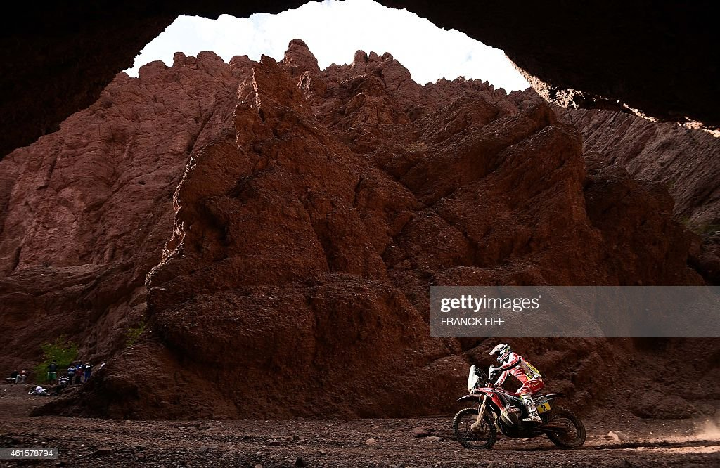 Honda's Spanish biker <a gi-track='captionPersonalityLinkClicked' href=/galleries/search?phrase=Joan+Barreda+Bort&family=editorial&specificpeople=8767813 ng-click='$event.stopPropagation()'>Joan Barreda Bort</a> competes during the Stage 11 of the Dakar 2015 between Salta and Termas de Rio Hondo, Argentina, on January 15, 2015.