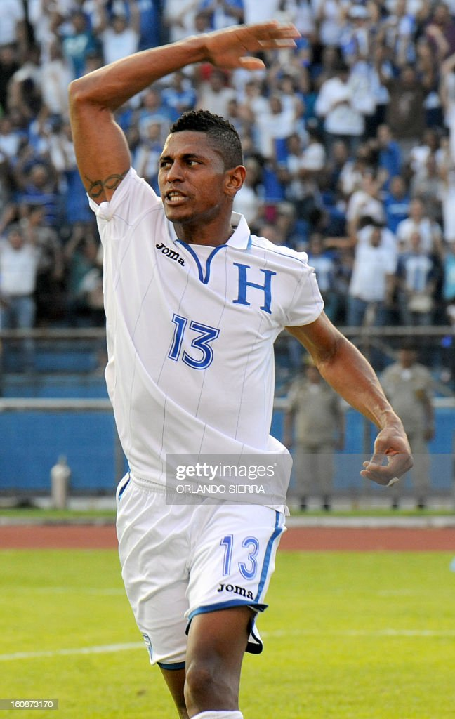 Honduras´ Carlo Costly gestures during their FIFA World Cup Brazil 2014 CONCACAF qualifier football match against the US at Olimpico Metropolitano stadium, in San Pedro Sula 240 km north of Tegucigalpa, on February 6, 2013. Honduras won 2-1. AFP PHOTO/Orlando SIERRA