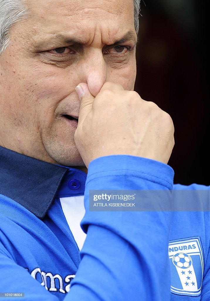 Honduras' coach, Columbian Reinaldo Rueda looks on prior to their friendly match against Belarus in the local stadium of Villach, on May 27, 2010 prior to the FIFA World Cup 2010 hosted by South Africa between June 11 and July 11. The match ended with 2-2 equal.