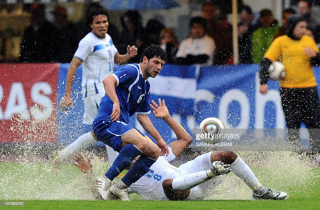 Honduras national football team player Wilson Palacios (R) and Azerbaijan's Amit Guluzade fight for the ball during their friendly match between Honduras and Azerbaijan in Zell am See on June 2, 2010 prior to the FIFA World Cup 2010 hosted by South Africa.