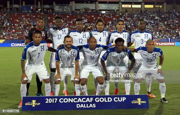 Honduras poses for a photo before play against Canada during the 2017 CONCACAF Gold Cup at Toyota Stadium on July 14 2017 in Frisco Texas