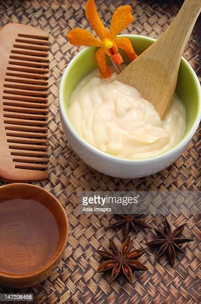 Honey and yogurt natural body mask