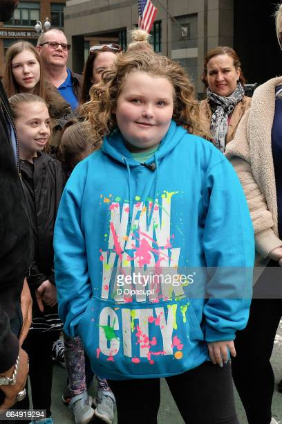 Honey Boo Boo visits 'Extra' on April 5 2017 in New York City