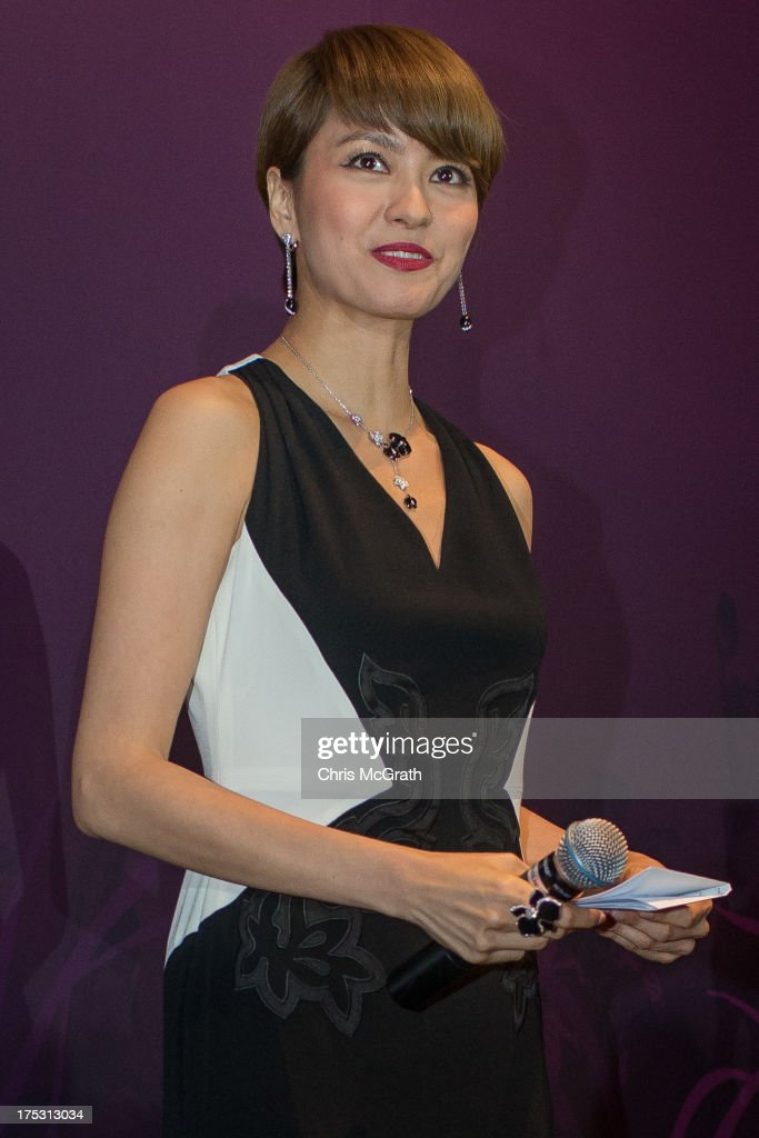 cartier singapore outlets ed4h  Hong Kong Cantopop singer and actress Gigi Leung gives a speech at the  opening of the