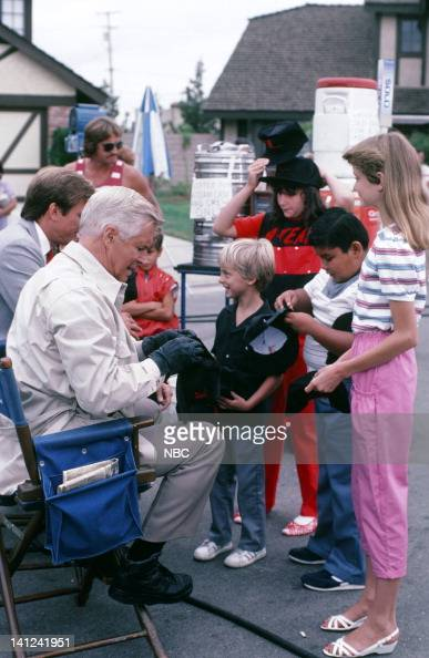 TEAM 'Honor Roll Drawing' Pictured George Peppard signs autographs for fans on set Photo by Ron Tom/NBCU Photo Bank