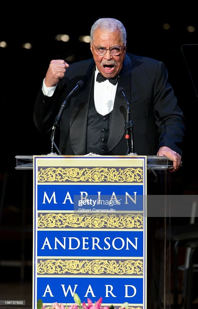 Honoree Actor <a gi-track='captionPersonalityLinkClicked' href=/galleries/search?phrase=James+Earl+Jones&family=editorial&specificpeople=206328 ng-click='$event.stopPropagation()'>James Earl Jones</a> attends the 2012 Marian Anderson awards gala at Kimmel Center for the Performing Arts on November 19, 2012 in Philadelphia, Pennsylvania.