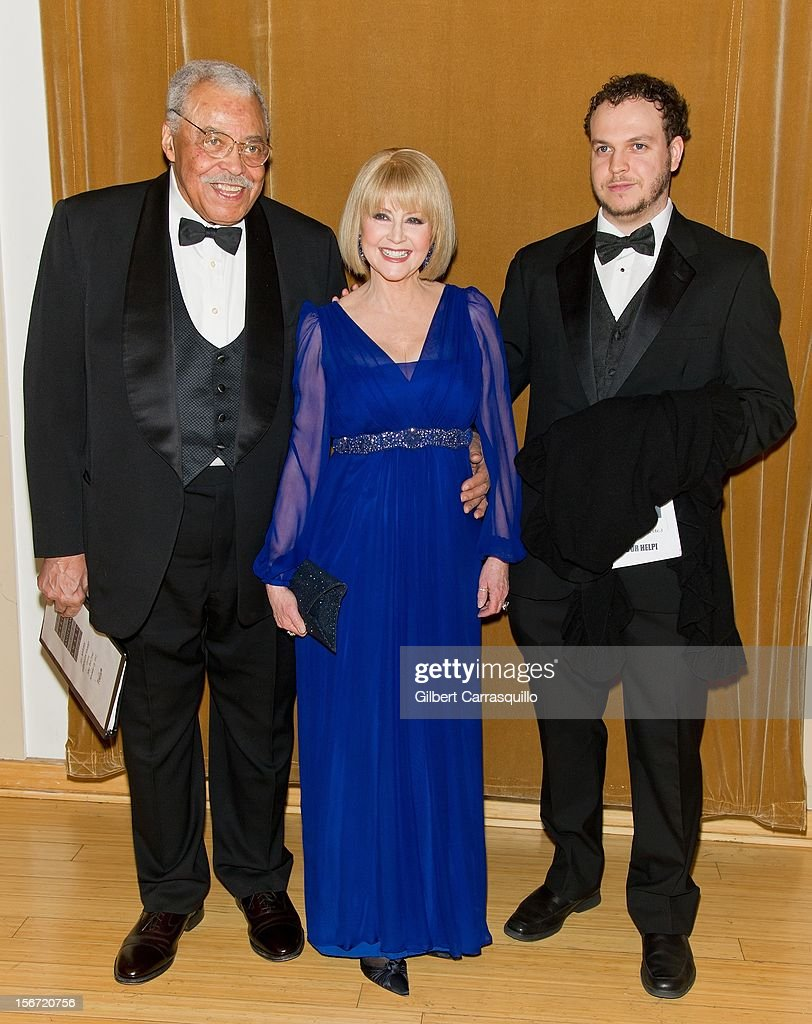 Honoree Actor James Earl Jones, wife Cecelia Hart and son Flynn Earl Jones attend the 2012 Marian Anderson awards gala at Kimmel Center for the Performing Arts on November 19, 2012 in Philadelphia, Pennsylvania.