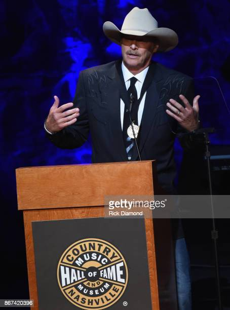 Honoree Alan Jackson speaks onstage during the Country Music Hall of Fame and Museum Medallion Ceremony to celebrate 2017 hall of fame inductees Alan...