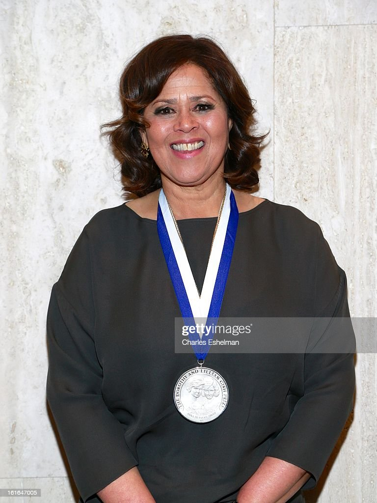 Honoree <a gi-track='captionPersonalityLinkClicked' href=/galleries/search?phrase=Anna+Deavere+Smith&family=editorial&specificpeople=234428 ng-click='$event.stopPropagation()'>Anna Deavere Smith</a> attends 19th Annual Dorothy And Lillian Gish Prize Ceremony at The Vista 1 Chase Manhattan Plaza on February 13, 2013 in New York City.