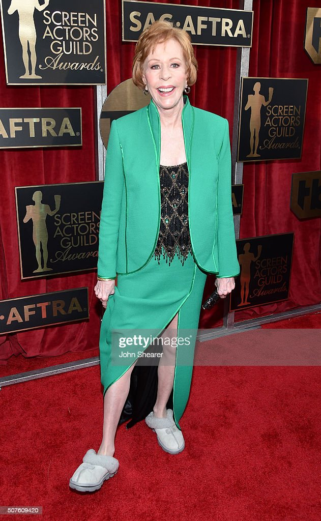 Honoree <a gi-track='captionPersonalityLinkClicked' href=/galleries/search?phrase=Carol+Burnett&family=editorial&specificpeople=206201 ng-click='$event.stopPropagation()'>Carol Burnett</a> attends the 22nd Annual Screen Actors Guild Awards at The Shrine Auditorium on January 30, 2016 in Los Angeles, California.
