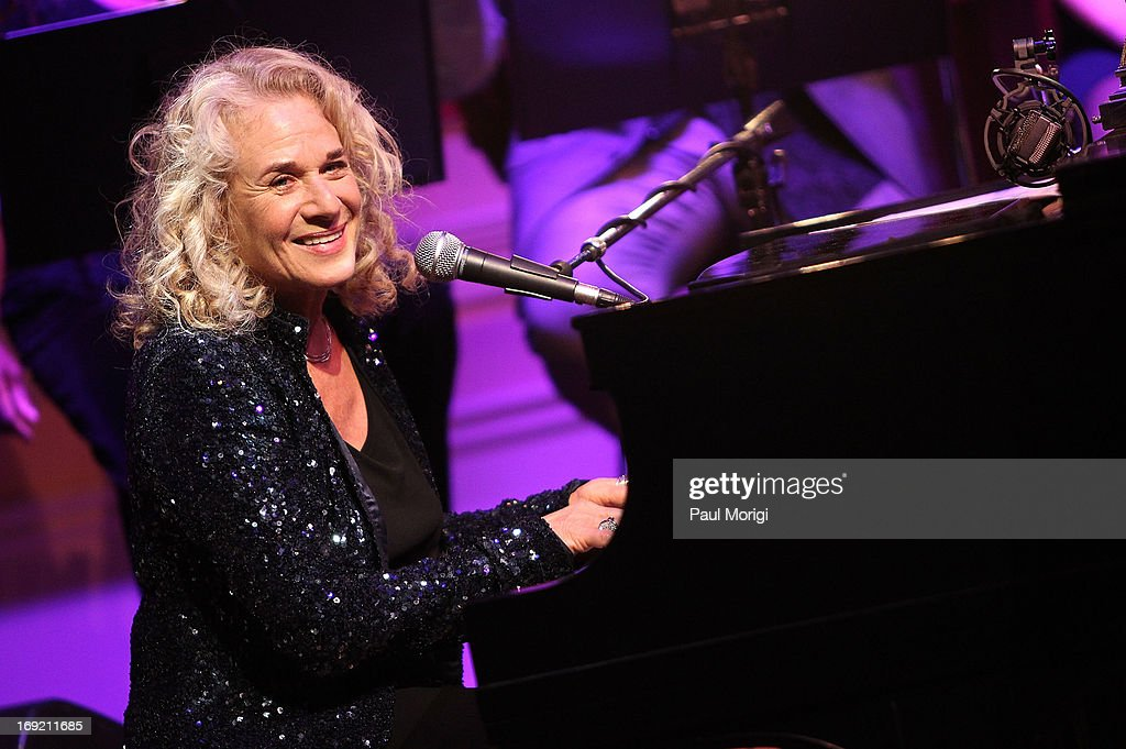 Honoree Carole King performs at the 2013 Library Of Congress Gershwin Prize Tribute Concert at the Thomas Jefferson Building on May 21 2013 in...