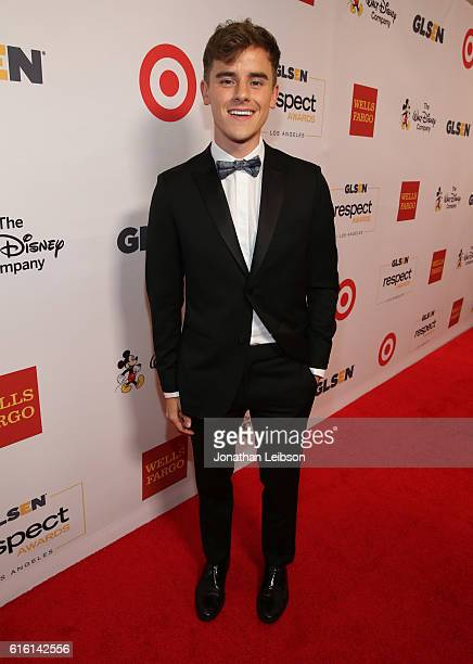 Honoree Connor Franta attends the 2016 GLSEN Respect Awards Los Angeles at the Beverly Wilshire Four Seasons Hotel on October 21 2016 in Beverly...