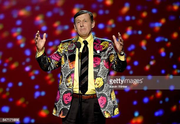 Honoree Craig Sager accepts the Jimmy V Award for Perserverance onstage during the 2016 ESPYS at Microsoft Theater on July 13 2016 in Los Angeles...