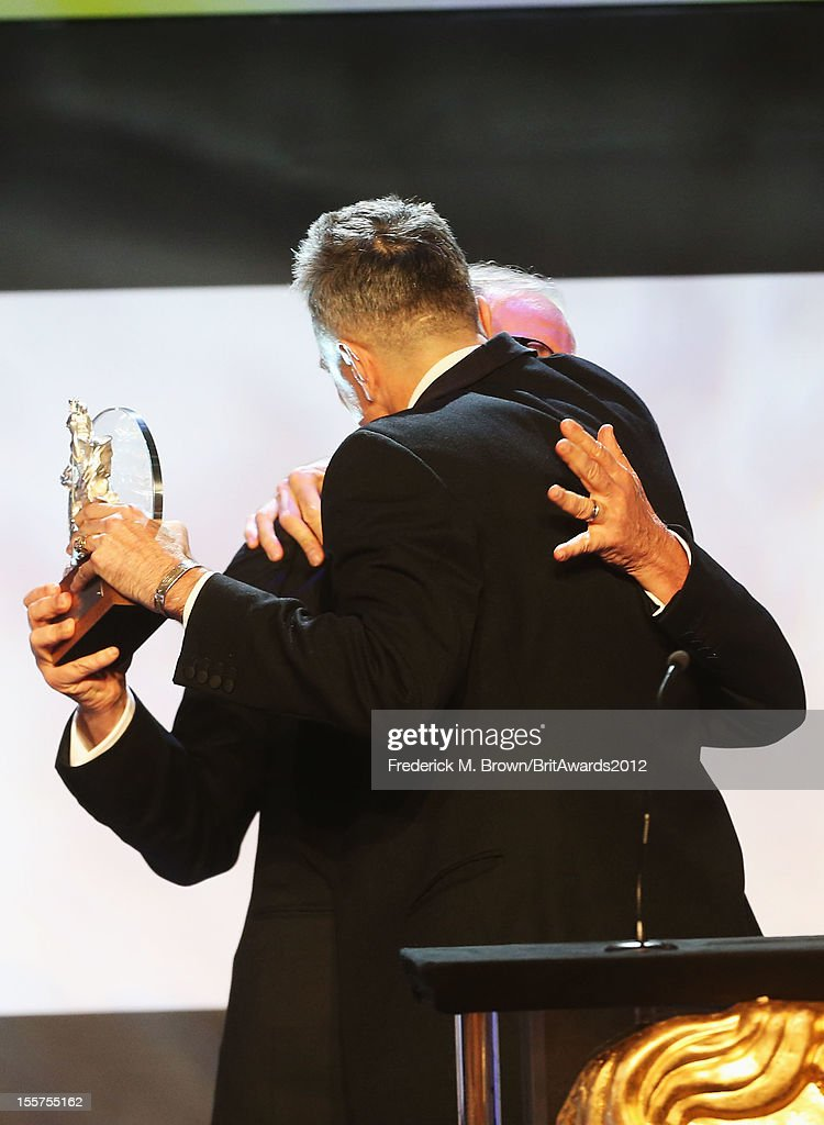 Honoree Daniel Day-Lewis accepts The Stanley Kubrick Britannia Award for Excellence in Film from presenter Steven Spielberg onstage at the 2012 BAFTA Los Angeles Britannia Awards Presented By BBC AMERICA at The Beverly Hilton Hotel on November 7, 2012 in Beverly Hills, California.