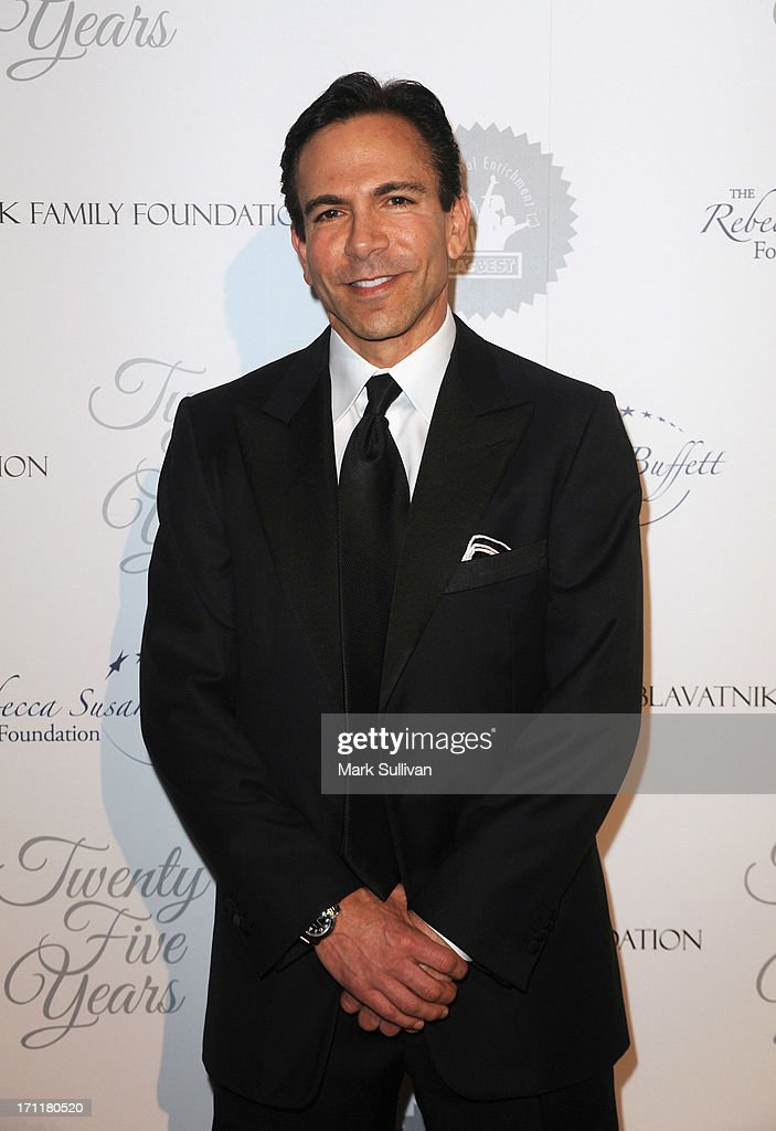 Honoree Dr. Bill Dorfman attends LA's Best 25th Anniversary Gala at The Beverly Hilton Hotel on June 22, 2013 in Beverly Hills, California.